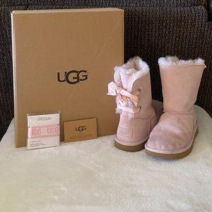 UGG Customizable Bailey Bow II Boots. Size 4